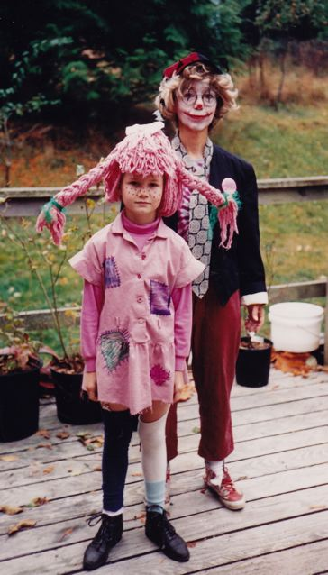 Mamata as Pippi Longstocking and Sharada as a clown, Halloween 1993