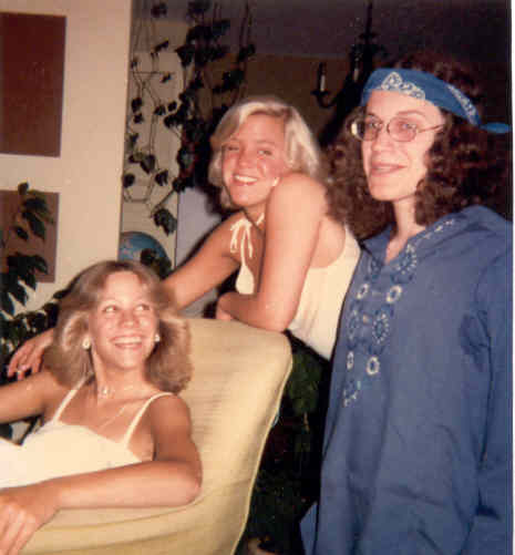 OmPK (age 19) with sisters Wendy and Carelyn