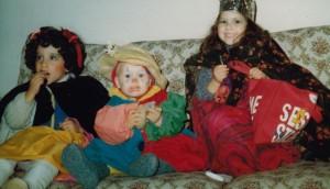 Nayana, Piet, Maya. Halloween 1982.