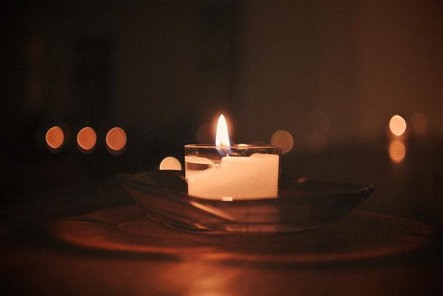 Candle-flickrCC-MIKI Yoshihito