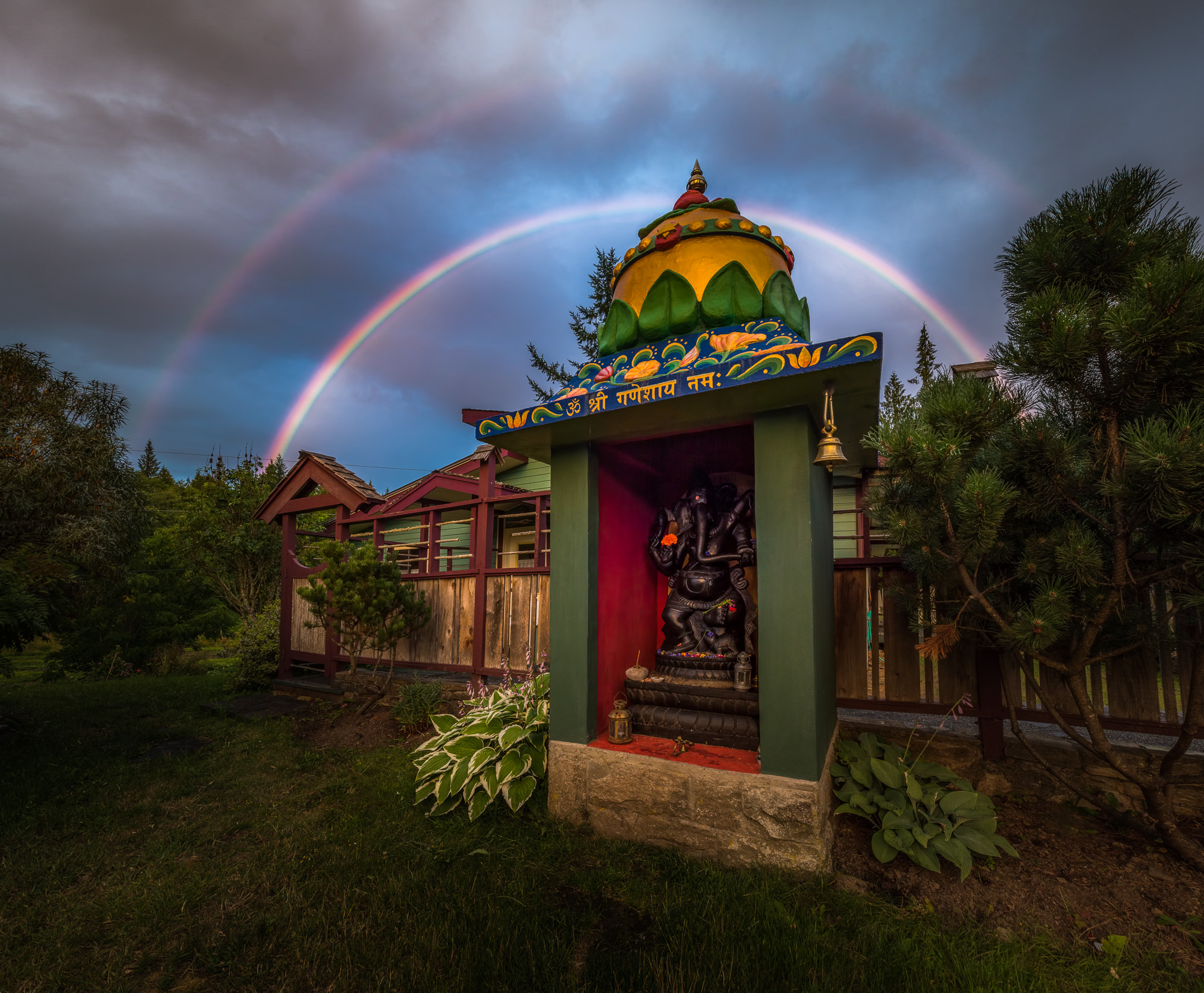Ganesh with rainbows (photo by Gawain Jones)