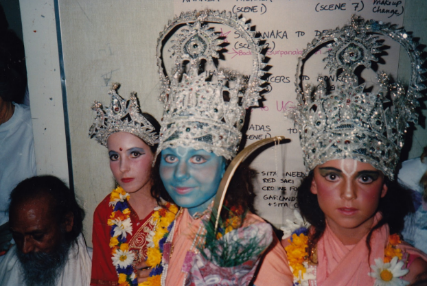 Babaji with some of the cast, 1988: Sunmoon as Sita, Arianne as Rama, Jaya as Lakshman