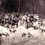1975 – satsang on the rocks: Sudarshan, Sharada, Soma, Sanatan, Anuradha, Ravi Dass, Aparna, Daya, Lalita, Keshav